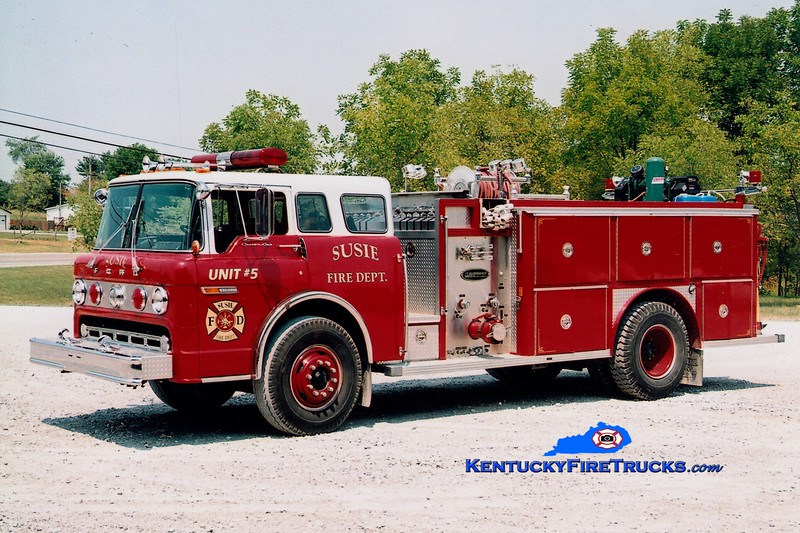 <center> Susie  Engine 5 <br> x-Chandler, IN <br> 1983 Ford C-8000/E-One 1000/750 <br> Greg Stapleton photo </center>