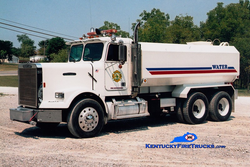 <center> Susie  Tanker 2 <br> 1997 Freightliner/Local 0/4000 <br> Greg Stapleton photo </center>