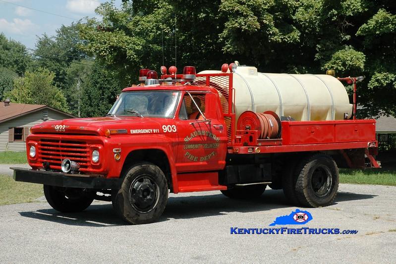 <center> Slaughters Tanker 903 <br> 1971 Ford F-600/FD 250/1000 <br> Greg Stapleton photo </center>