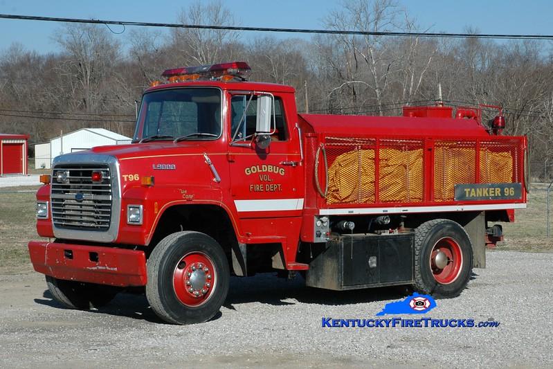<center> Goldbug Tanker 96 <br> 1988 Ford L9000/Goodhope 250/1700 <br> Greg Stapleton photo </center>