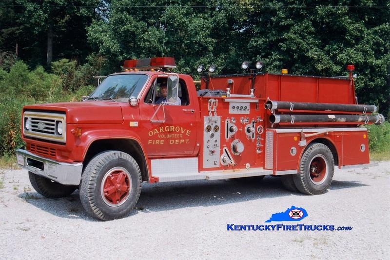 <center> RETIRED <br> Oak Grove  Engine 1 <br> 1981 Chevy/American LaFrance 1000/750 <br> Greg Stapleton photo </center>