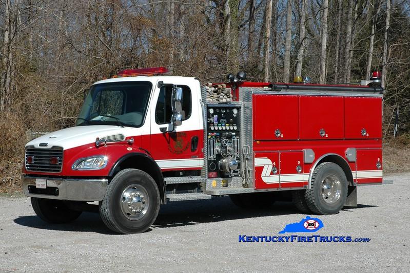 <center> Oak Grove  Engine 1 <br> 2004 Freightliner M2-106/Wynn 1000/1100 <br> Greg Stapleton photo </center>