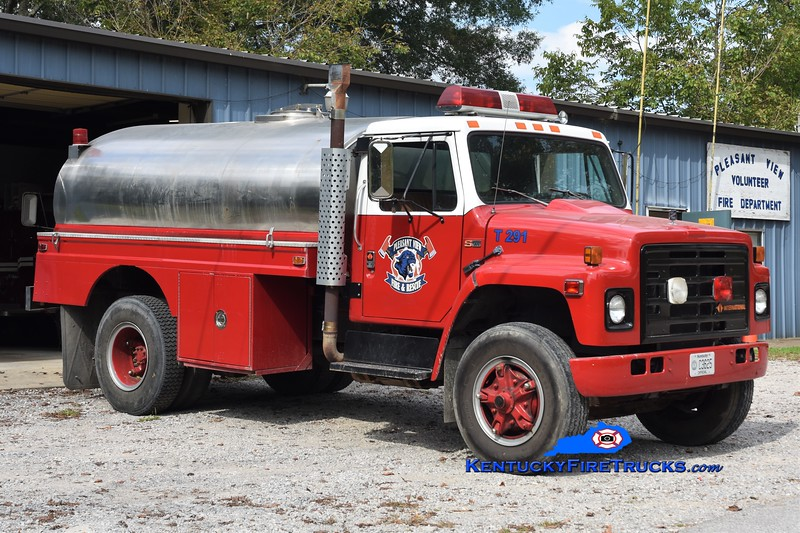 Pleasantview  Tanker 291<br /> x-Placid Lake, PA <br /> 1988 International S1900/Local 250/1800<br /> Greg Stapleton photo