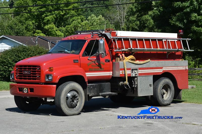 Rockholds Tanker 2<br /> 2000 GMC C7500/Wynn 250/2000<br /> Greg Stapleton photo