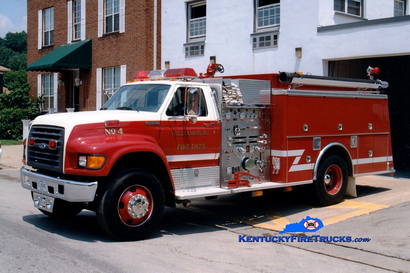 <center> Williamsburg  Engine 4 <br> 1997 Ford F-800/KME 1250/1000 <br> Greg Stapleton photo </center>