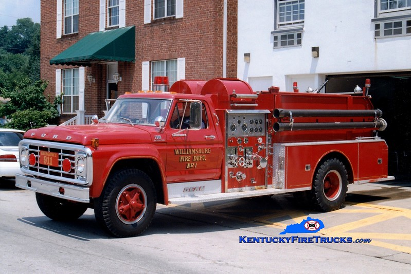 <center> RETIRED <br> Williamsburg  Engine 1 <br> 1978 Ford F-800/FMC-Bean 1000/750 <br> Greg Stapleton photo </center>