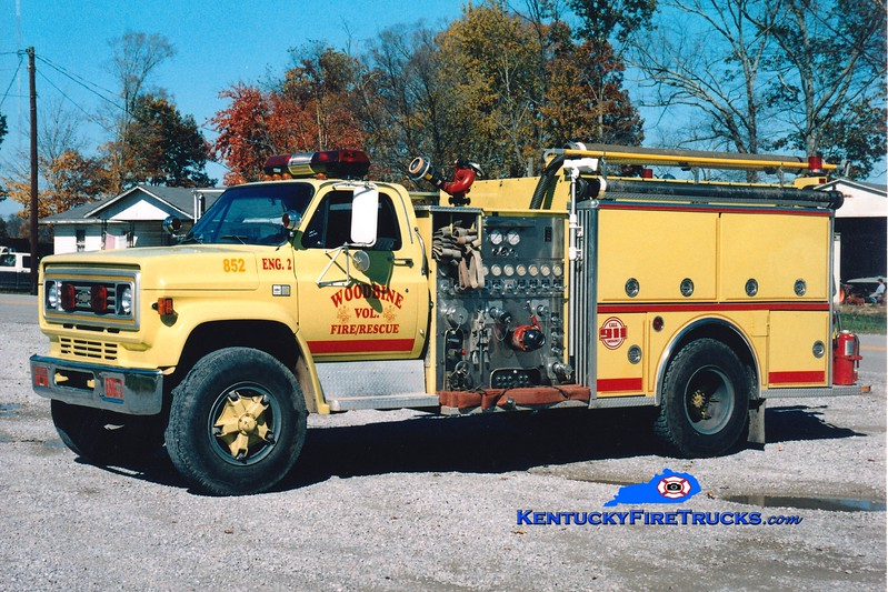 <center> Woodbine  Engine 8852 <br> 1983 Chevy/American LaFrance 1000/750 <br> Greg Stapleton photo </center>