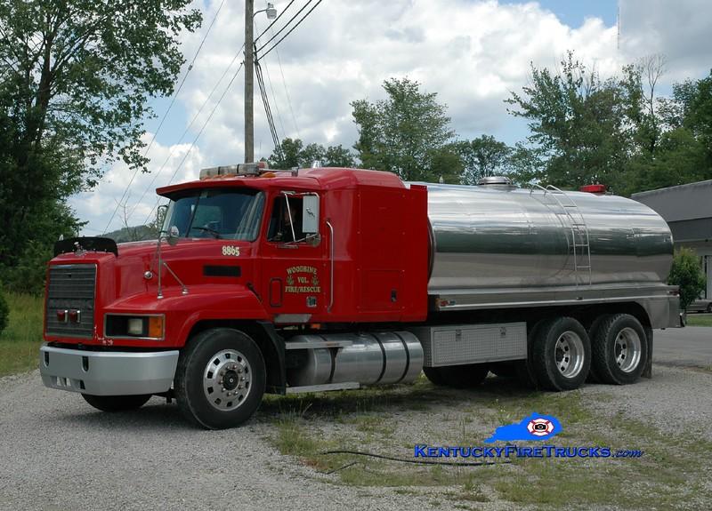 <center> Woodbine  Tanker 8865 <br> 1999 Mack CH/Bluegrass 0/4000 <br> Greg Stapleton photo </center>