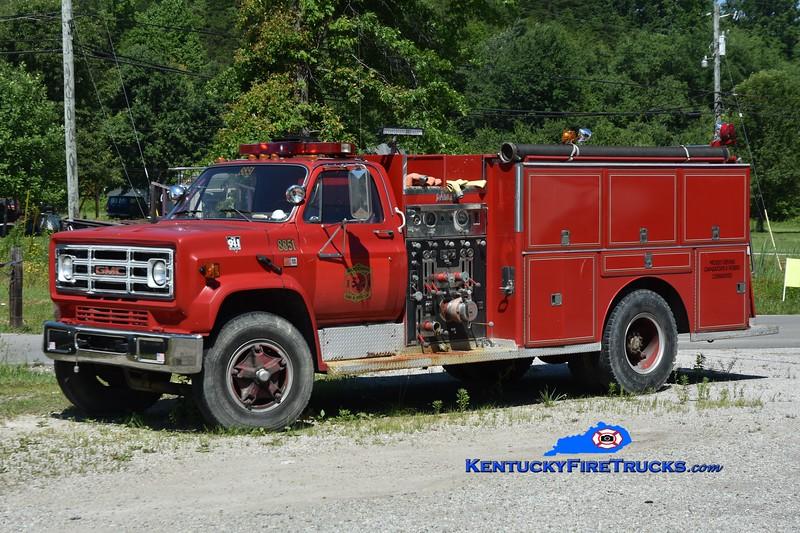 Woodbine Engine 8851<br /> x-Pond Creek, KY <br /> 1988 GMC 7000/Darley 1000/750<br /> Greg Stapleton photo
