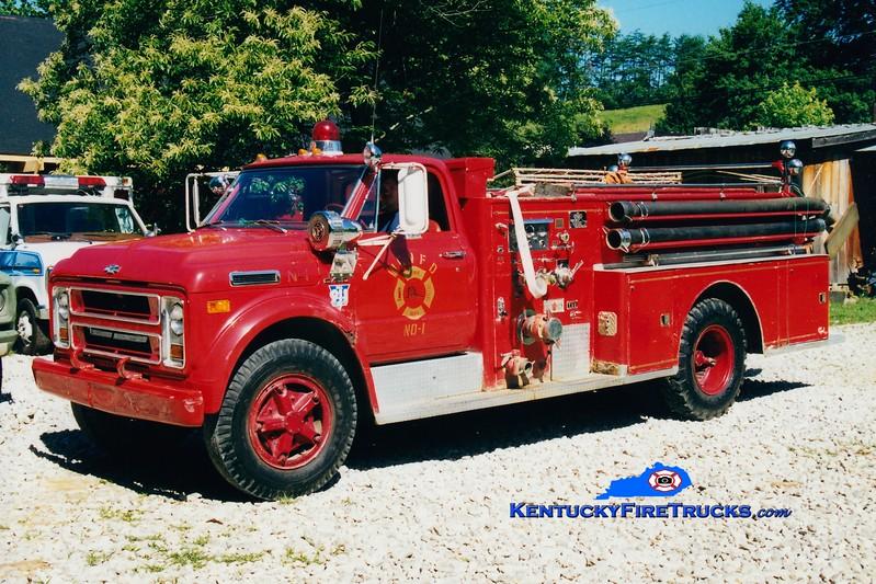 <center> RETIRED <br> Wolfe County  Engine 1  <br> 1970 Chevy/Sutphen 750/500 <br> Greg Stapleton photo </center>