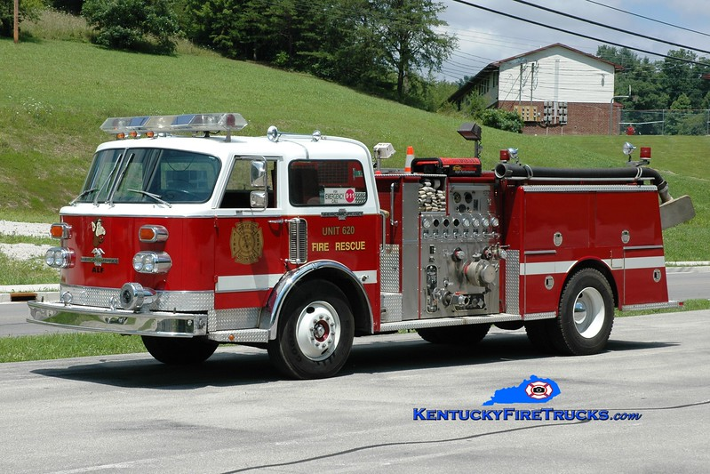 <center> Wolfe County  Engine 620  <br> x-Dayton, OH <br> 1983 American LaFrance Century 1500/750 <br> Greg Stapleton photo </center>
