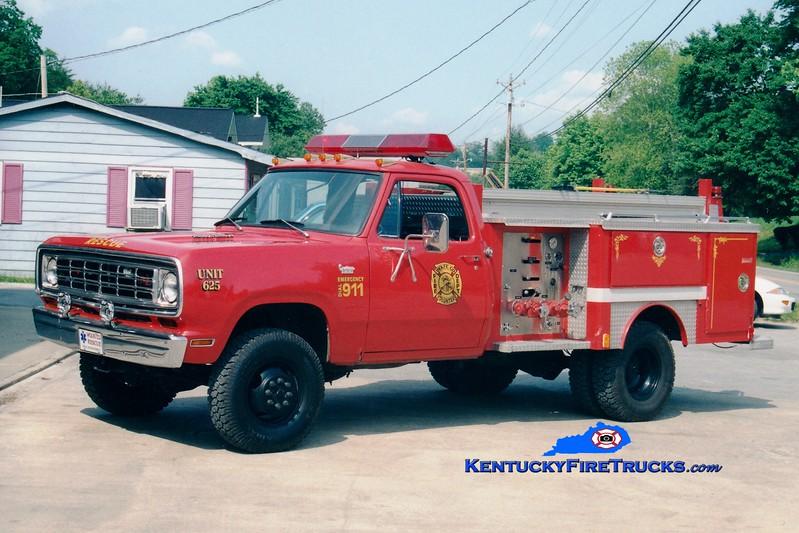 <center> Wolfe County  Rescue 625  <br> 1975 Dodge 4x4/E-One 250/250 <br> Greg Stapleton photo </center>