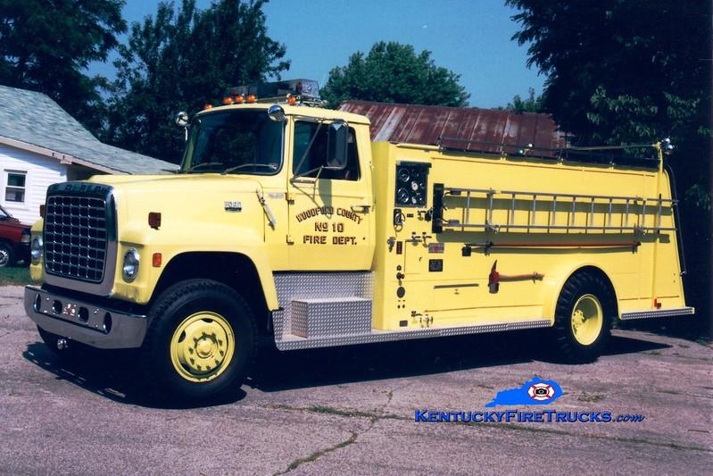 <center> Woodford County  Tanker 10 <br> 1979 Ford L8000/Sutphen 450/2000 <br> Greg Stapleton photo </center>