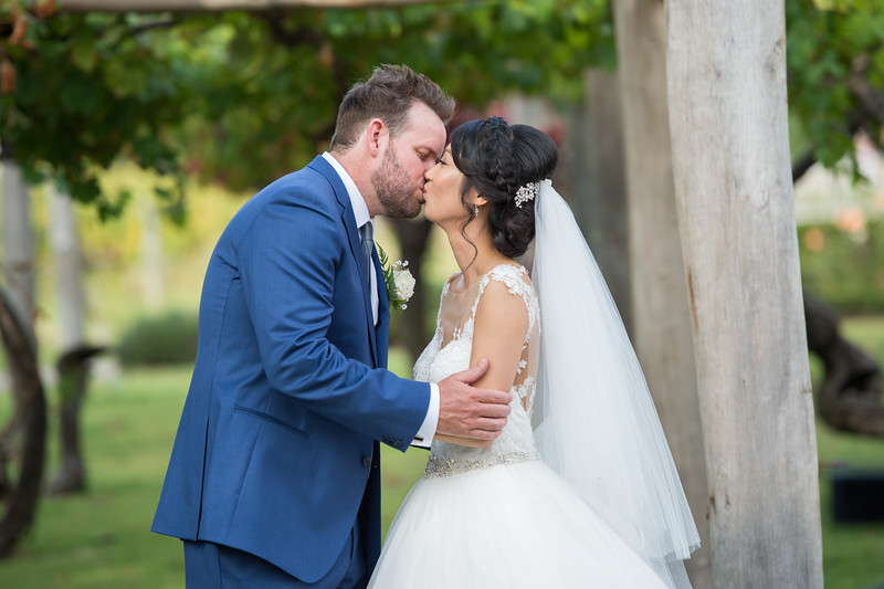 Emily and Joel Preview 0020
