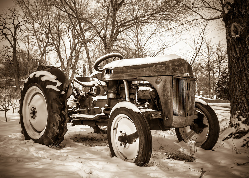 Ford Tractor (Arizona)