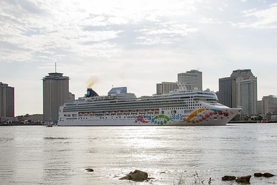 Norwegian Pearl  Leaving New Orleans for seven day cruise