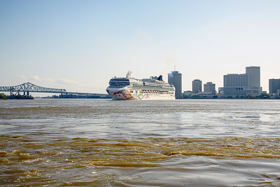 Norwegian Pearl leaving New Orleans on a 7 day cruise