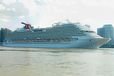 Carnival Dream Leaving New Orleans around 5pm