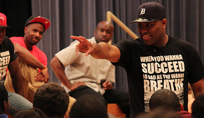 Eric Thomas a traveling motivational speaker and author gives a speech to students in the Great Hall Thursday night on September 12th.