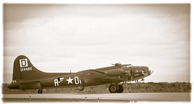 Side View of B 17 - Photography by Wayne Heim