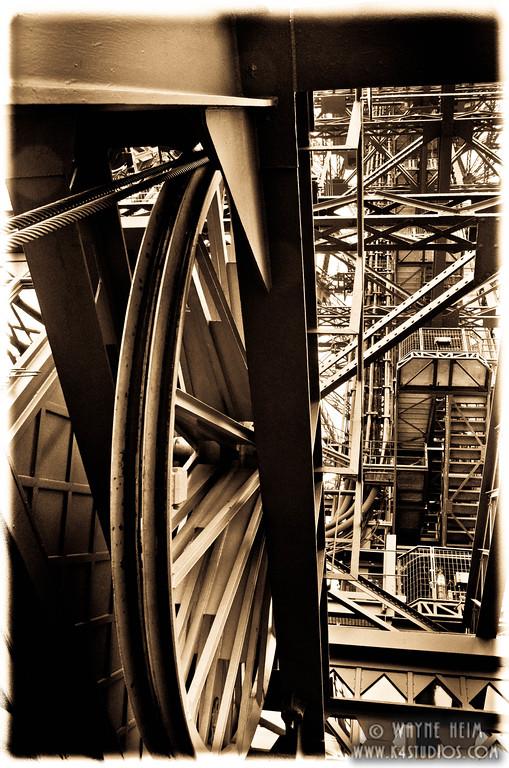 Gears - Photography by Wayne Heim