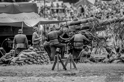 Getting Ready to Fire     Photography by 'Wayne Hrim