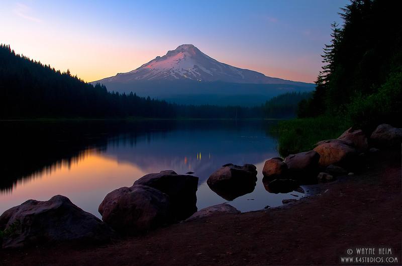 Sunset on  the Hood(H)    Photography by Wayne Heim