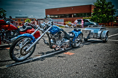 Big Bear Chopper with Trailer, How many of thoses do you see? Playing around with HDR