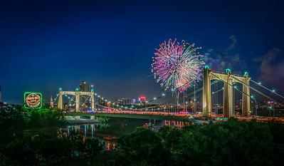 Hennepin Avenue Fireworks