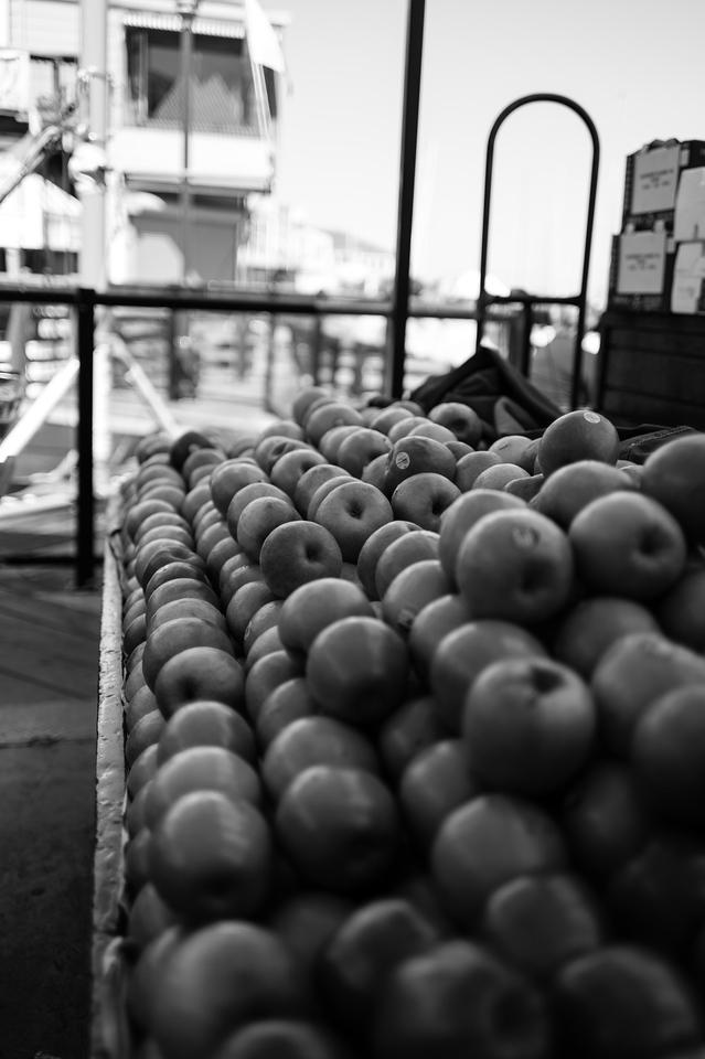 5$ apples