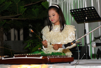 "New Year 2009, party at The Mangosteen Resort & Spa, Phuket. Earth playing ""Kim"""