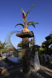 A big heart at The Mangosteen Pool shower