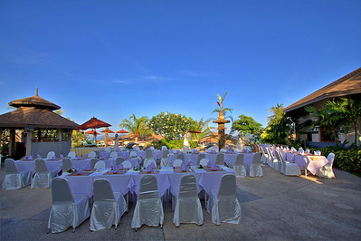 The Mangosteen Pool Deck before the Skal members arrived.