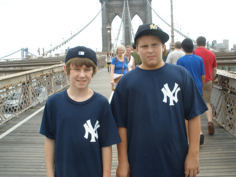 Walk across Brooklyn Bridge