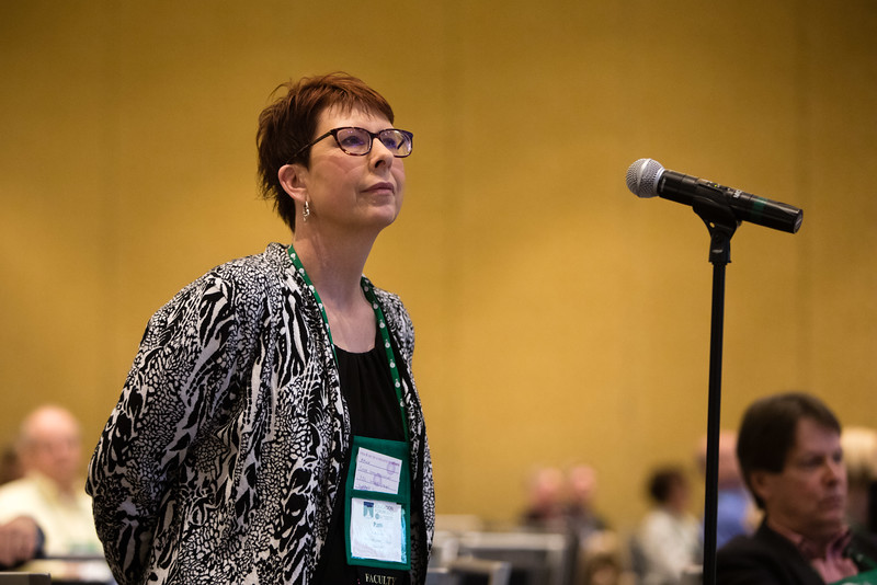 Minneapolis, MN - The PAEA 2016 Education Forum 2016 - Attendees as question as Janis Orlowski speaks during the general session at the Physician Assistant Education Association Meeting here today, Friday October 14, 2016. Photo by © PAEA/Scott Morgan 2016 Contact Info: todd@medmeetingimages.com Keywords: