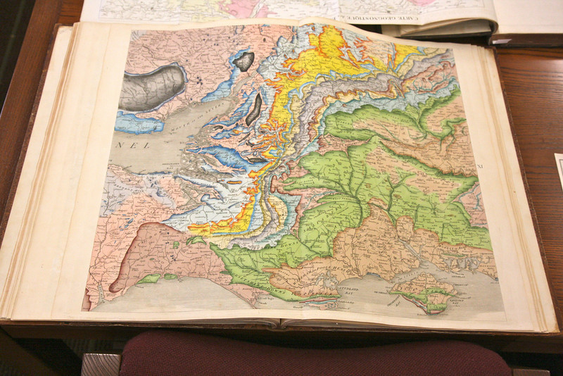 """William """"Strata"""" Smith's color map of England and its stratigraphy - circa 1812"""