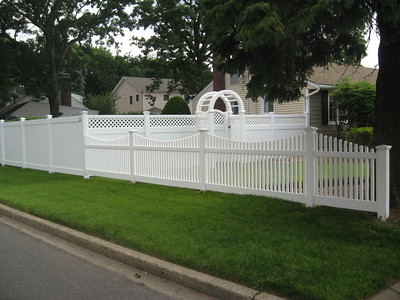 Lakeland, Hollingsworth and Hampton Scallop Fence with Arbor