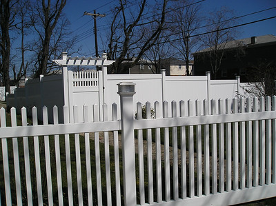 Lakeland and Hampton Straight Fence with Montauk Point Straight Gate