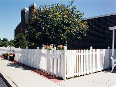 White Hannibal Fence