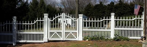 375 - 515023 - McClain VA - Cambridge Picket Fence