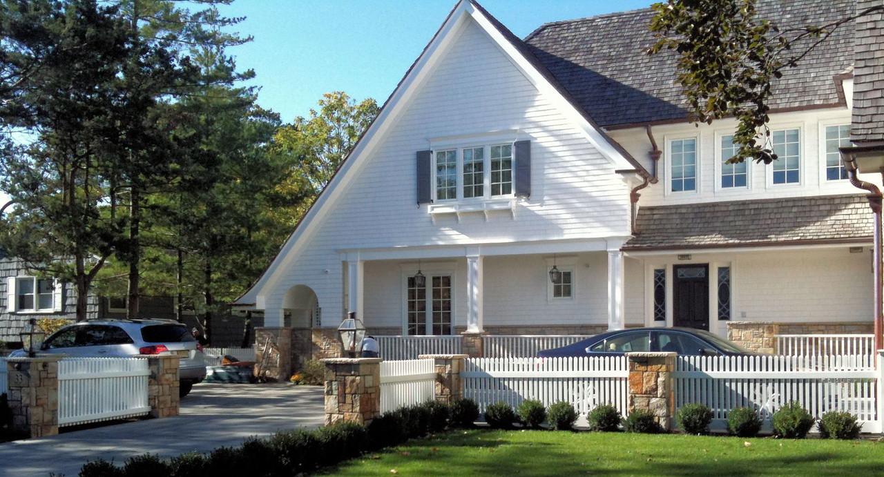 286 - Lawrence NY - Chestnut Hill