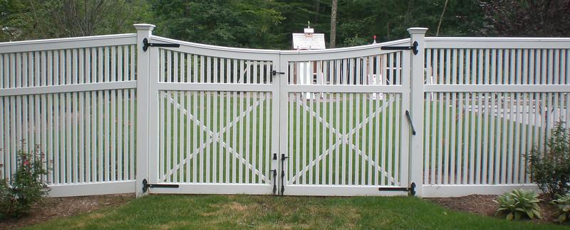 413446 - 190 - Westport CT - Yorktown Double Gate