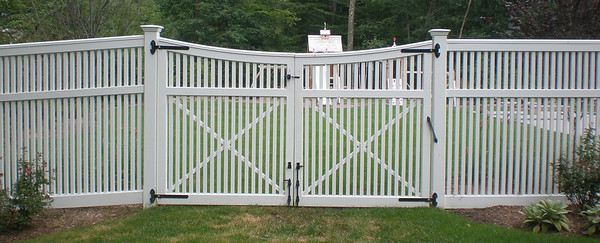 413446 - 190 - Westport CT - Yorktown Double Gate