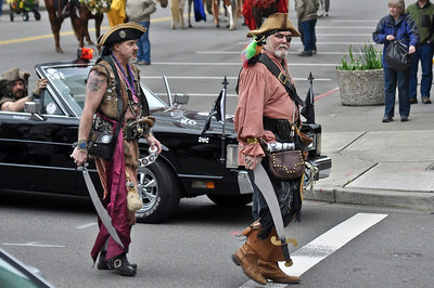 The Pirates arrive at the parade