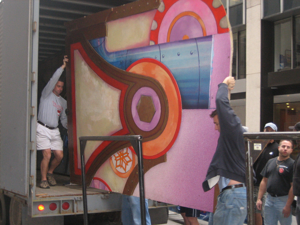 OCTOBER 22, 2006<br /> <br /> I had to be in on Sunday to make sure Load-in was going smoothly.  It was!  Here is Tommy and his boys bringing in some of the scenery!