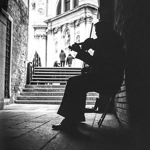 Violonist Silhouette