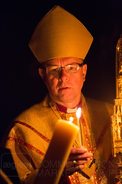 Bishop Leads Dawn Service of New Light
