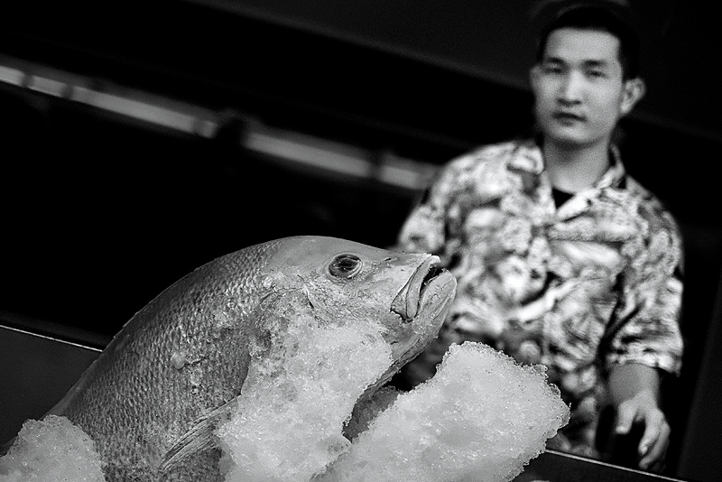 """""""Red snapper"""" - Fri 31 Oct<br /> <br /> Last picture of the month will be this red snapper at """"Jumbo"""" seafood restaurant, where we had dinner with the family<br /> <br /> See you in November again = : )"""