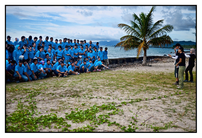 Sat 24 April - Indonesia team<br /> <br /> Saturday sales conference and team building with 100+ colleagues from Indonesia Atlas Copco. Here they try to get the whole team together for a group photo by the beach