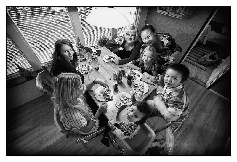 Fri 27 Aug - Family and friends<br /> <br /> Last night in Sweden and traditionally we invite family and friends to a barbecue a mothers home, so this time. Here the small ones (?) eat in the kitchen, while guys enjoy 8 degrees autumn weather outside